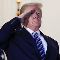 דונלד טראמפ חוזר לבית הלבן אחרי שהיה מאושפז בבית חולים צבאי, 5 באוקטובר 2020 (צילום: AP Photo/Alex Brandon)