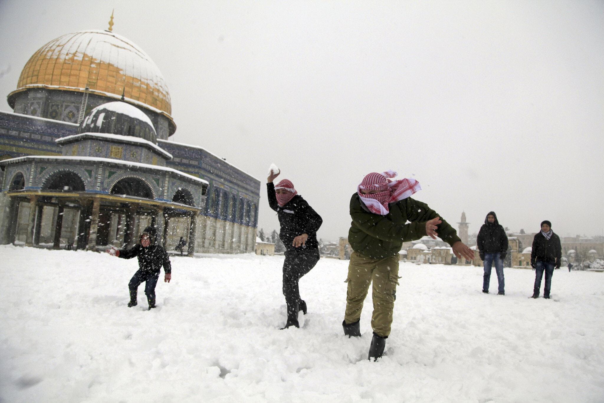 גם זה קרה פה: שלג בירושלים, פברואר 2015 (צילום: AP Photo/Mahmoud Illean, File)