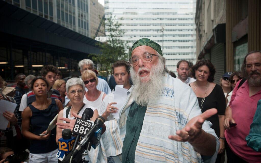 הרב וסקו מביע תמיכתה בבניית מסגד בסמוך לגראונד זירו בניו יורק, אוגוסט 2010 (צילום: Richard Levine / Alamy)