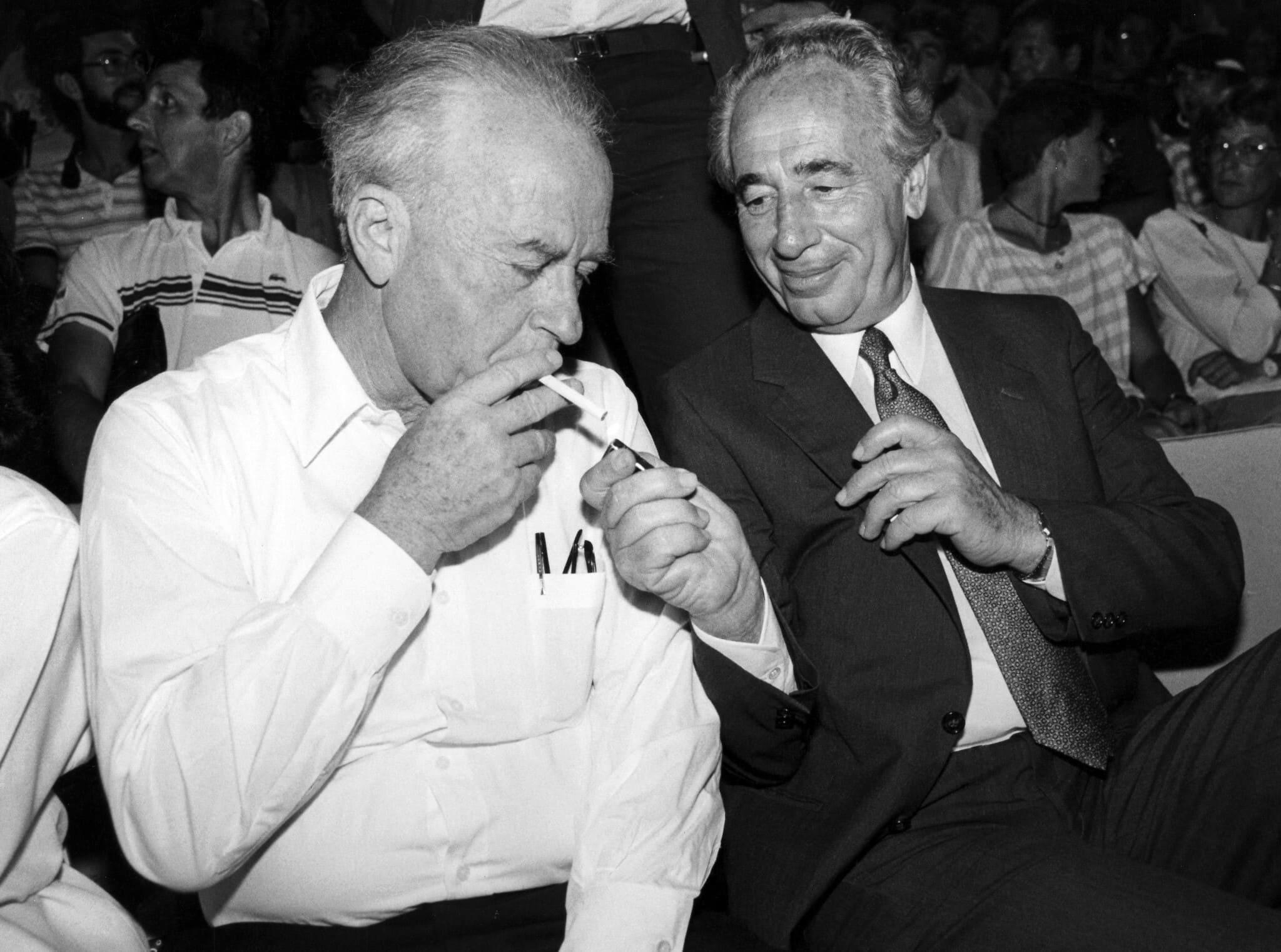 שמעון פרס ויצחק רבין, ספטמבר 1986 (צילום: משה שי/פלאש90)
