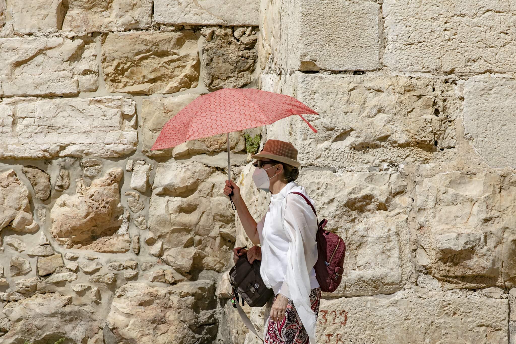 קיץ חם בירושלים בעידן הקורונה, יוני 2020 (צילום: Olivier Fitoussi/Flash90)
