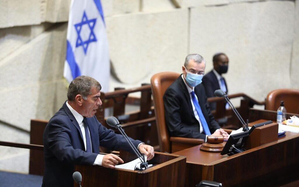 גבי אשכנזי נואם בדיון על הסכם השלום עם האמירויות, 15 באוקטובר 2020 (צילום: דוברות הכנסת / שמוליק גרוסמן)