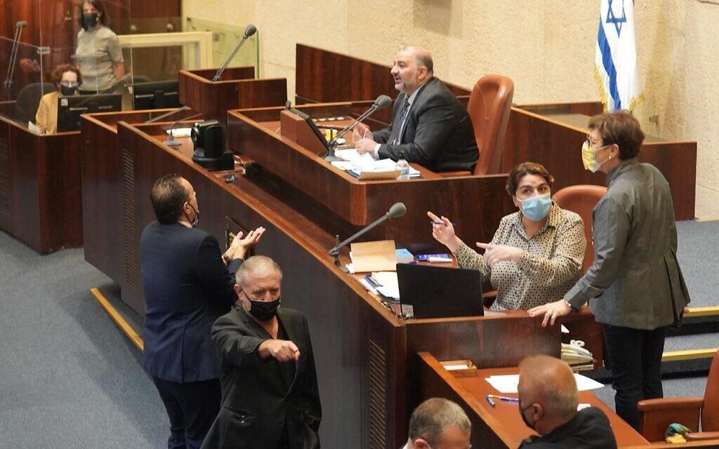 מליאת הכנסת בדיון על הקמת ועדת חקירה פרלמנטרית לפרשת הצוללות, 21 באוקטובר 2020 (צילום: שמוליק גרוסמן, דוברות הכנסת)
