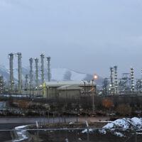 המתקן הגרעיני למים כבדים באראק שבאיראן ב-2011; צילום ארכיון – אין בהכרח קשר בין התמונה לדיווח (צילום: Hamid Foroutan/ISNA via AP, File)
