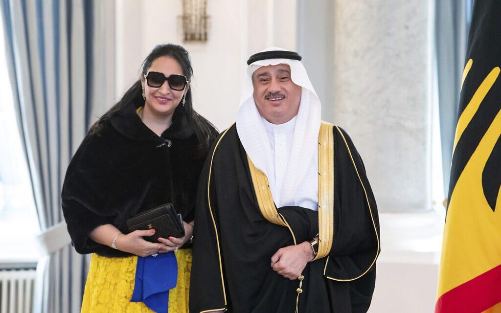 אילוסטרציה, שגריר ערב הסעודית בגרמניה ורעייתו, 4 בנובמבר 2020 (צילום: Bernd von Jutrczenka/dpa via AP)