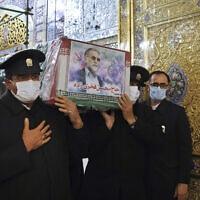 ארונו של מוחסן פחריזאדה (צילום: Iranian Defense Ministry via AP)