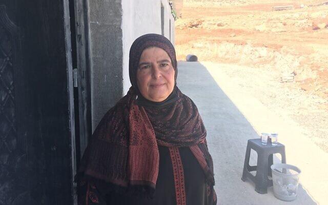 נורה אל-אזהרי, מנהלת בית הספר הקטן בכפר ראס א-תין בגדה המערבית (צילום: אהרון בוקסרמן)