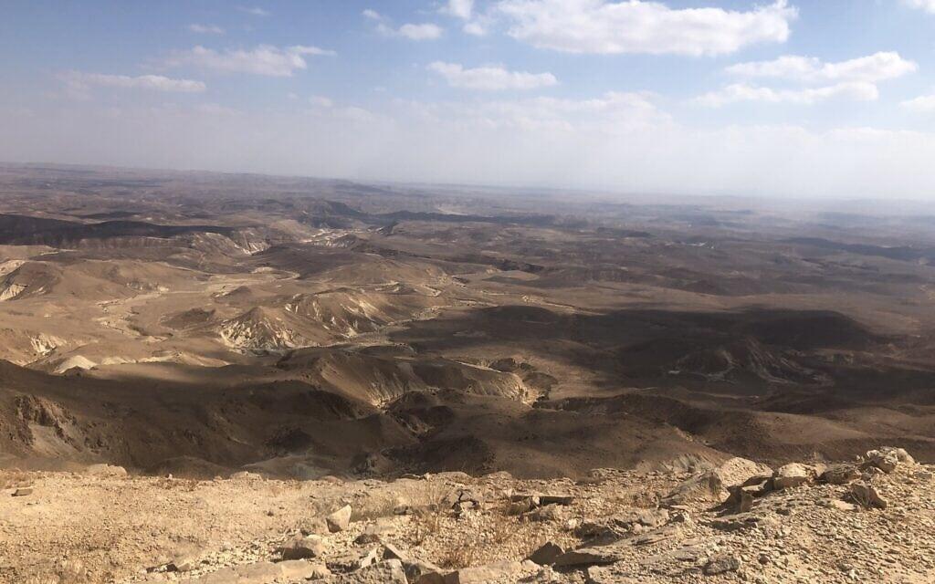הנוף ממרומי הר כרכום (צילום: סו סורקיס)
