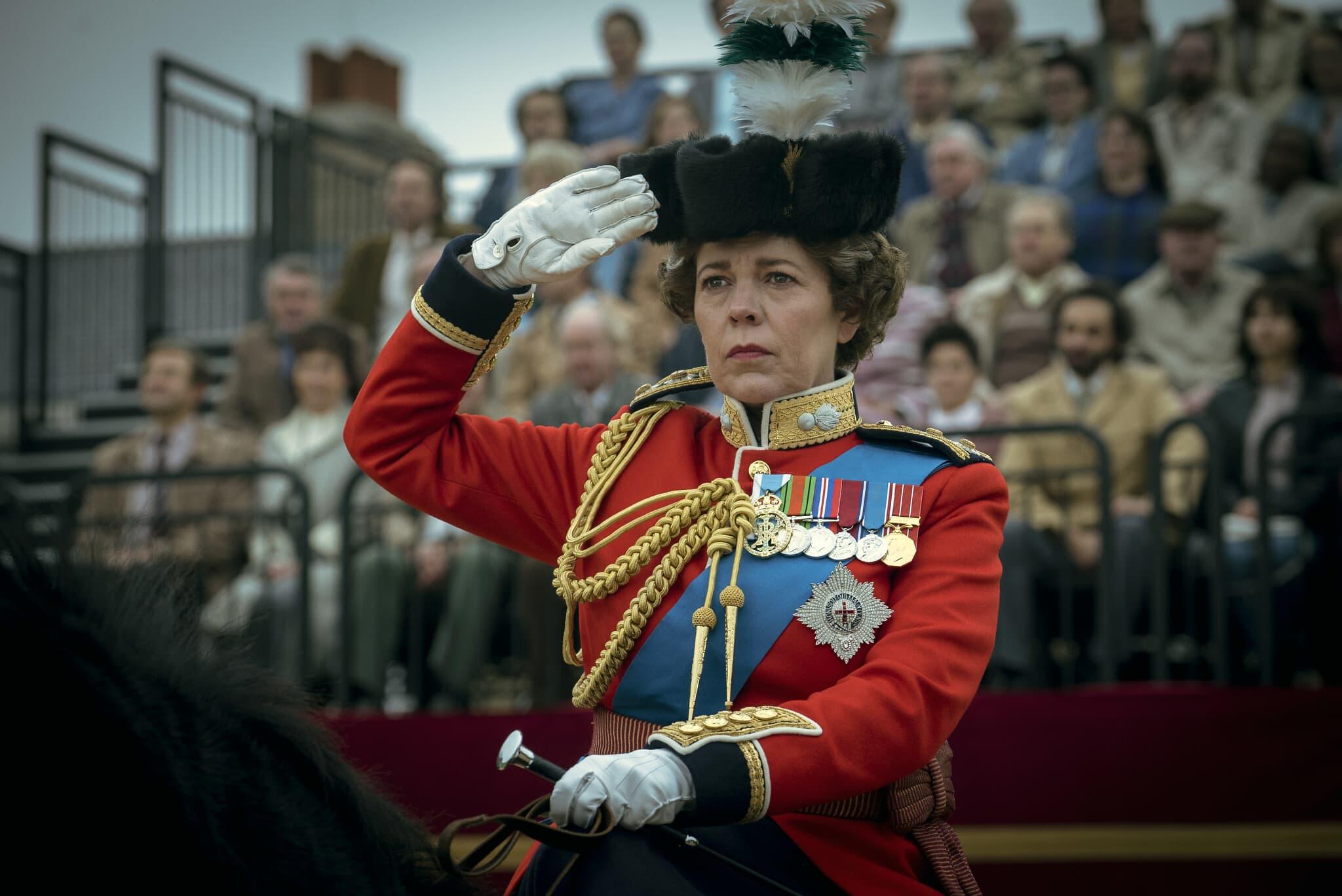 """אוליביה קולמן בתפקיד המלכה אליזבת השנייה בעונה הרביעית של """"הכתר"""" (צילום: Liam Daniel/Netflix)"""