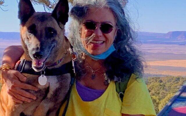 """סמדר ומלכה המלינואה באחד ממדבריות אריזונה"""""""