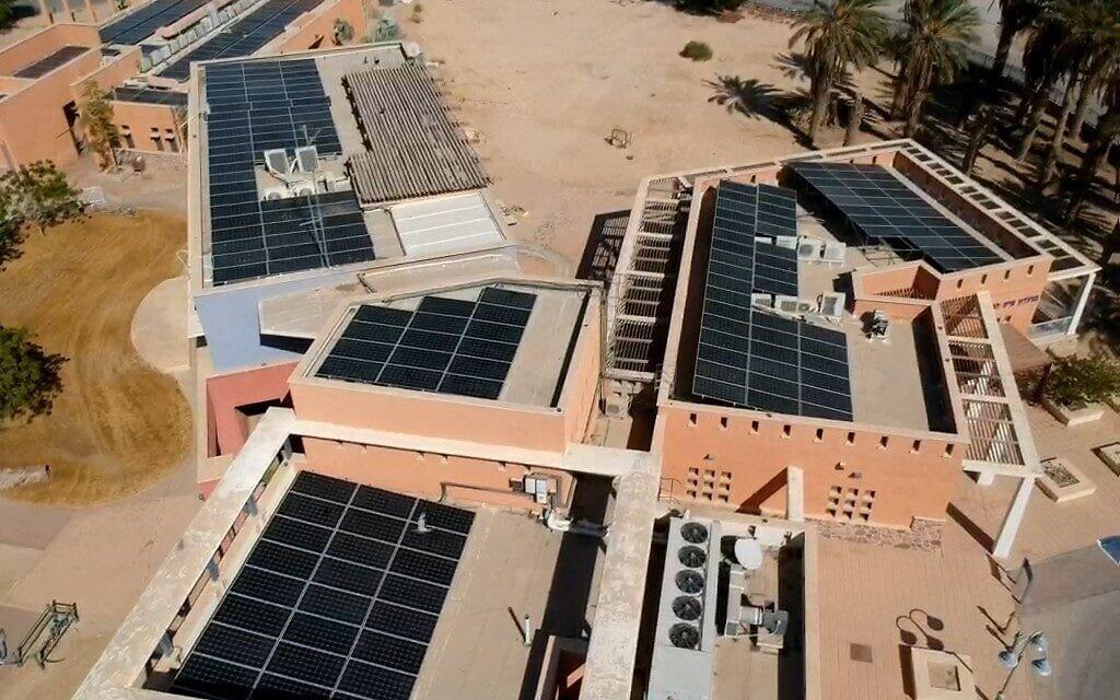 גגות סולאריים בחבל אילות (צילום: אילת-אילות אנרגיה מתחדשת)