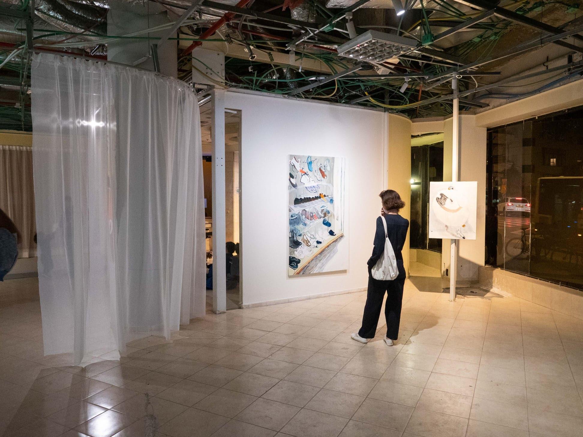 """תערוכה ב""""סטודיו בנק"""", נובמבר 2020 (צילום: עמוד הפייסבוק של סטודיו בנק)"""