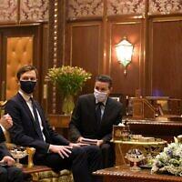 """פגישת ג'ארד קושנר, מאיר בן שבת ומוחמד השישי מלך מרוקו ברבאט (צילום: עמוס בן גרשום, לע""""מ)"""