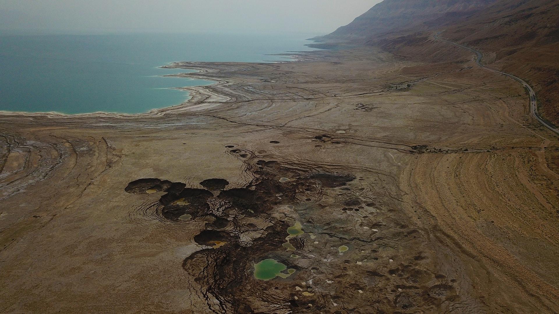 חוף מינרל בים המלח (צילום: אליעד איבס, גרינפיס)