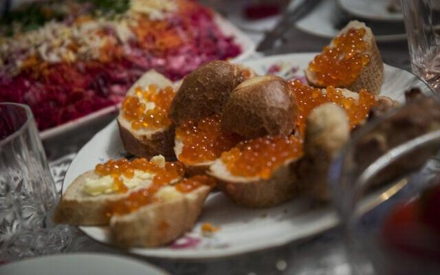 ארוחת נובי גוד מסורתית (צילום: הדס פרוש/פלאש90)