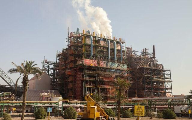 מפעל האשלג בסדום, על חוף ים המלח (צילום: Issac Harari/Flash90)