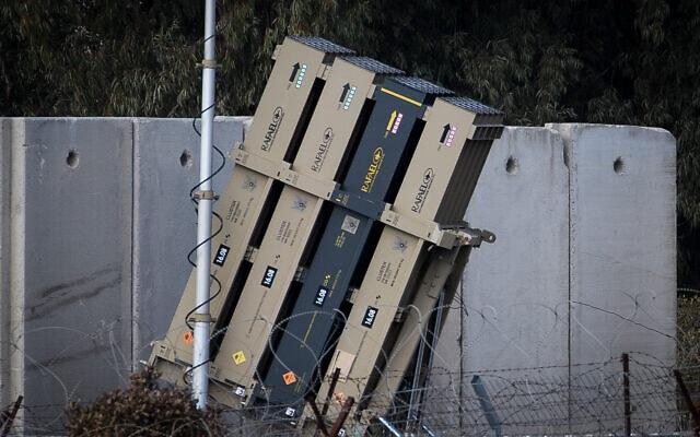 """סוללת """"כיפת ברזל"""" ברמת הגולן, על הגבול עם סוריה, בינואר 2020 (צילום: Basel Awidat/Flash90)"""