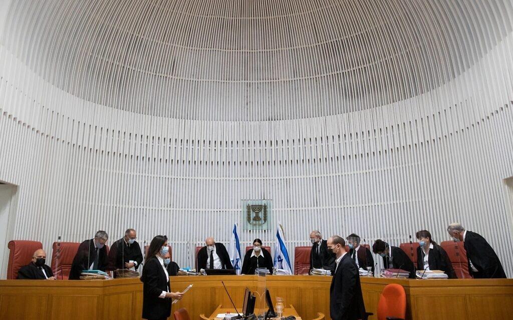 """הרכב של 11 שופטי בג""""ץ בדיון בעתירות נגד חוק הלאום, 22 בדצמבר 2020 (צילום: יונתן זינדל/פלאש90)"""