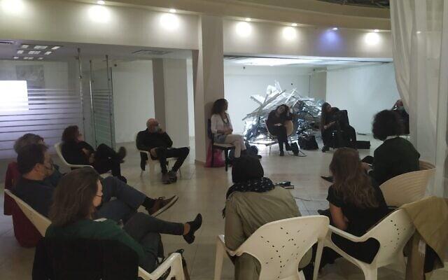 פאנל של אמנים ויוצרים שהתקיים בסטודיו-בנק בהנחיית ראידה אדון, דצמבר 2020