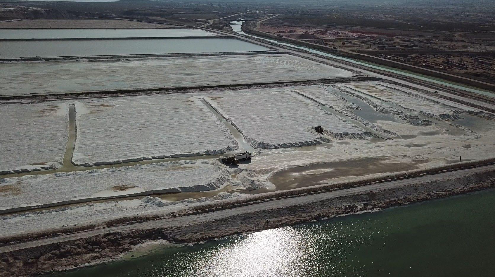 בריכות ייבוש המלח בים המלח (צילום: אליעד איבס, גרינפיס)
