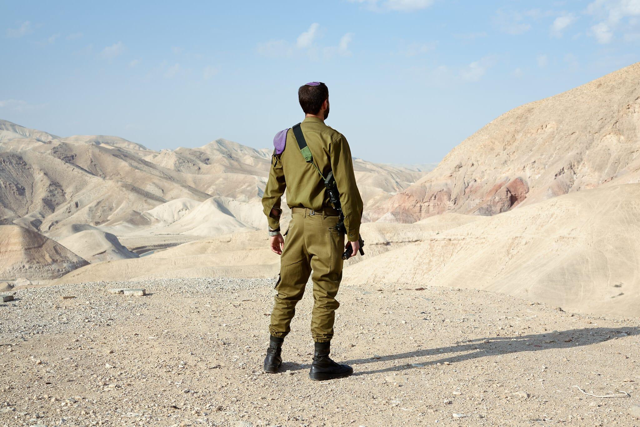"""רפאל, 21, מאנטוורפן, בלגיה. חייל חי""""ר (צילום: ברנט סלומוביץ')"""