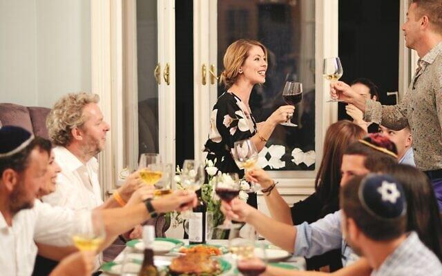 ארוחת שבת אצל רייצ'ל רוי (צילום: Dániel Végel/ Boook Publishing)