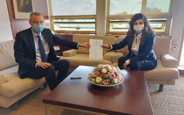 שרן השכל מגישה התפטרותה ליו״ר הכנסת יריב לוין