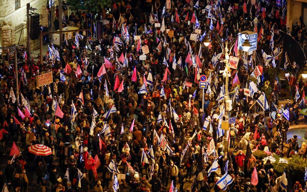 הפגנה נגד נתניהו 6.12.2020 (צילום: אוליבייר פיטוסי, פלאש 90)