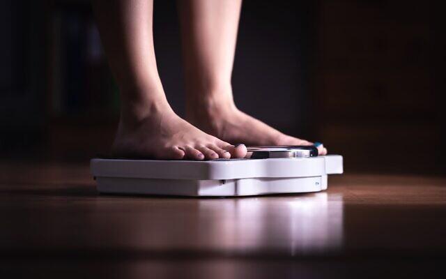 אילוסטרציה. הפרעות אכילה בקרב בני נוער. הגיל של המטופלים הולך ויורד (צילום: iStock)