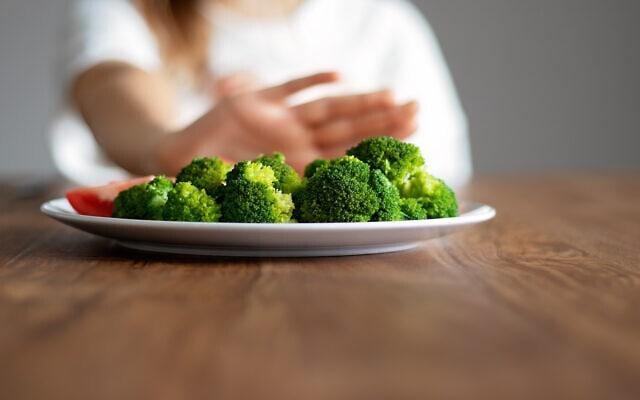 אילוסטרציה. לפעמים הדרך לטפל בילדים עם הפרעות אכילה היא לטפל בכל המשפחה (צילום: iStock)