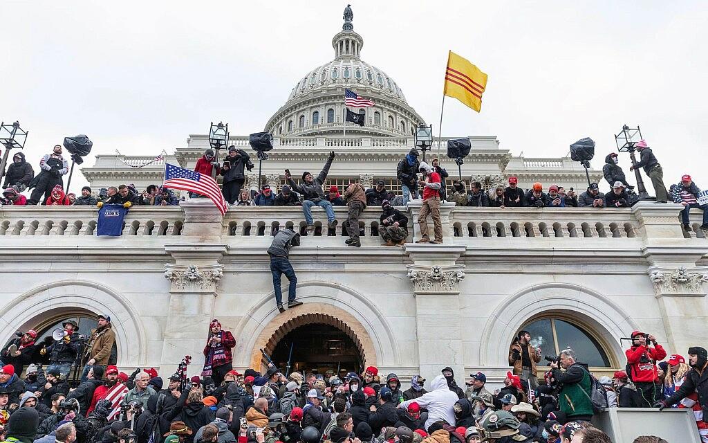 ההתפרעויות בגבעת הקפיטול בוושינגטון הבירה, 6 בינואר 2021 (צילום: Lev Radin/Pacific Press)
