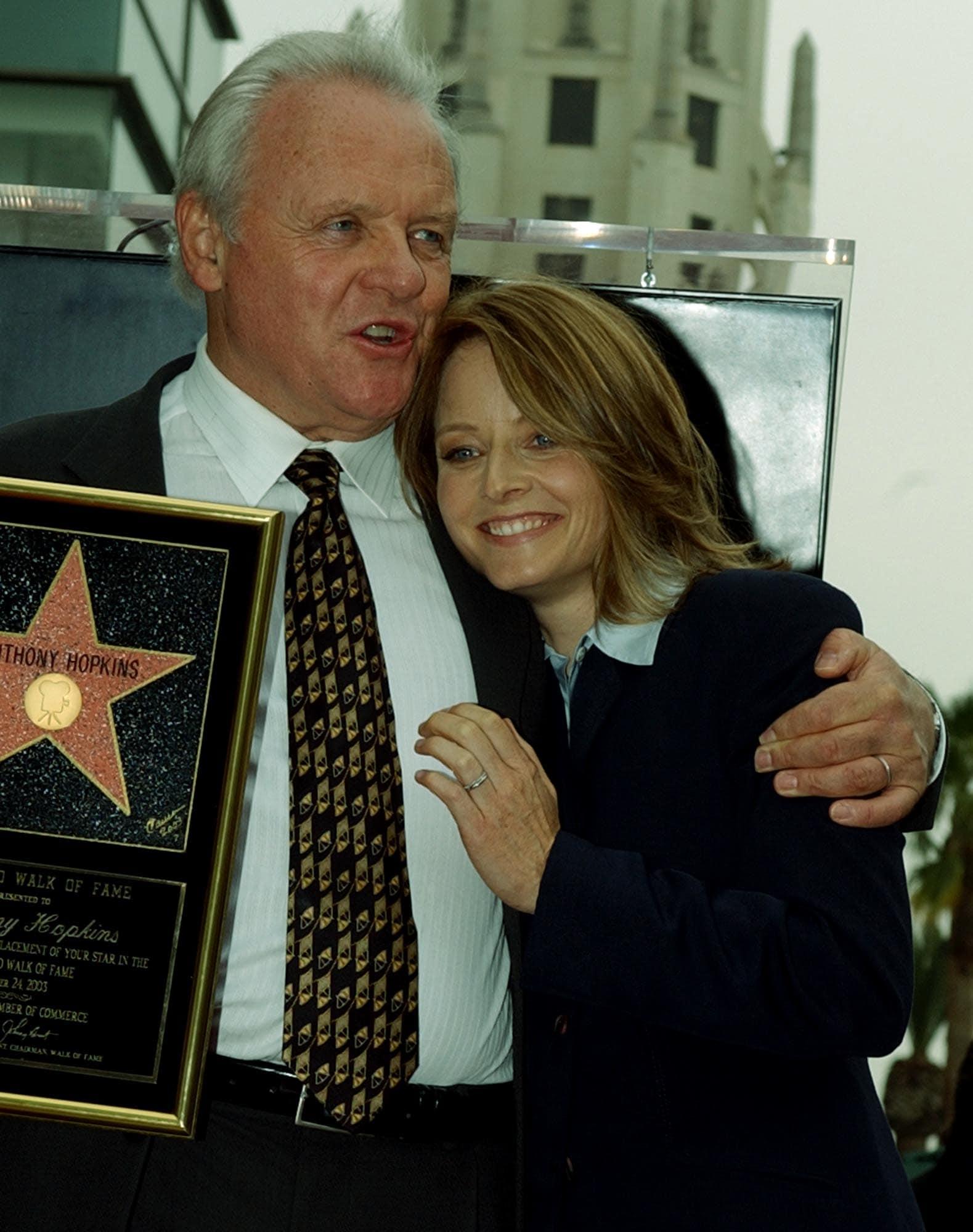 ג'ודי פוסטר ואנתוני הופקינס ב-2003 (צילום: AP Photo/Ric Francis)