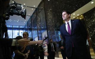 רון דרמר מתראיין לכלי תקשורת במגדל טראמפ בניו יורק, 17 בנובמבר 2016 (צילום: AP Photo/Carolyn Kaster)