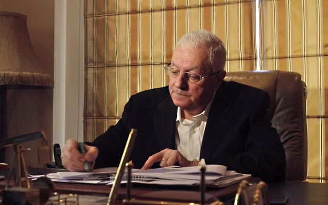 איש עסקים הסורי ג'ורג' חסוואני במשרדו בדמשק, 10 במרץ 2015 (צילום: AP)