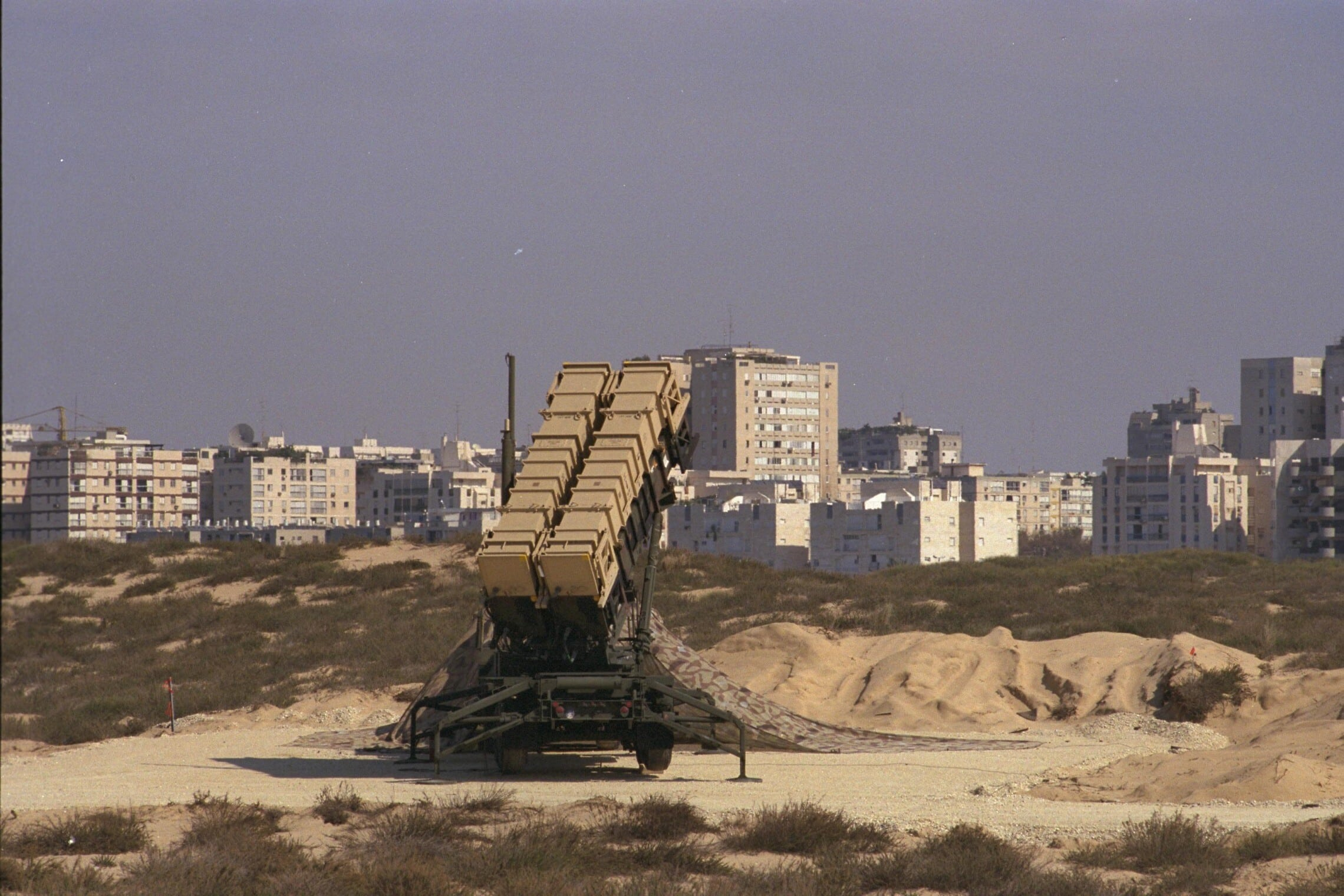 סוללת טילי פטריוט מוצבת סמוך לרמת אביב במלחמת המפרץ (צילום: נתן אלפרט/פלאש90)