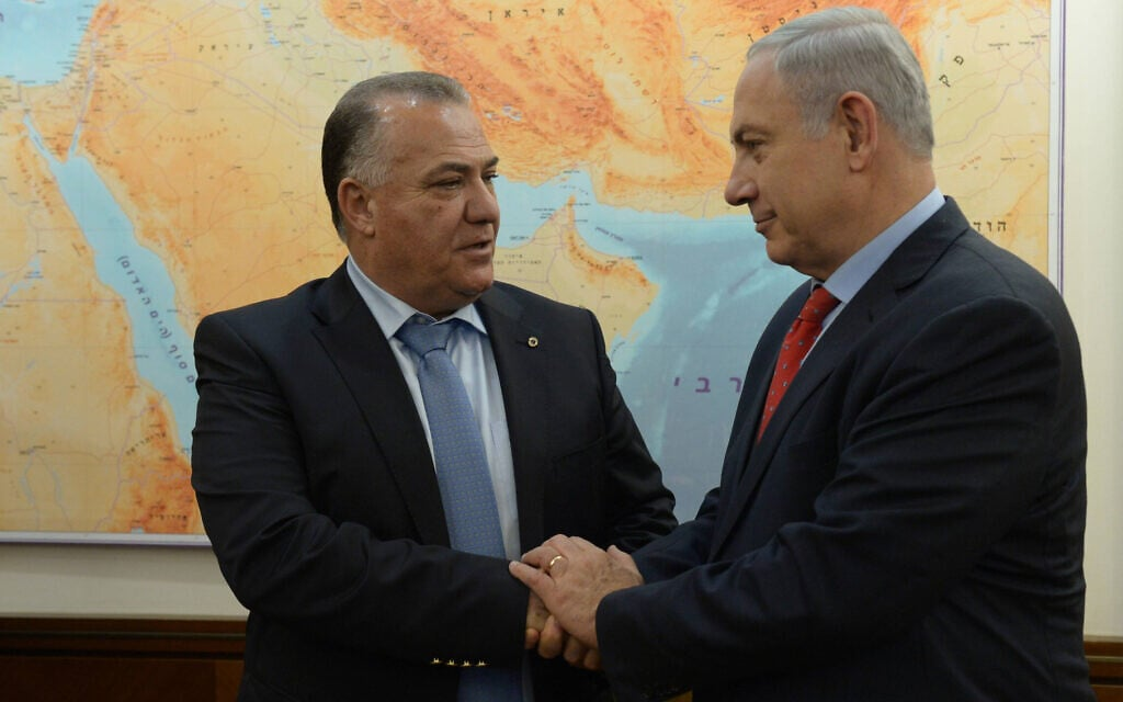 ראש הממשלה בנימין נתניהו וראש עיריית נצרת עלי סלאם במשרד ראש הממשלה בירושלים, 13 בינואר 2016 (צילום: Haim Zach/GPO)