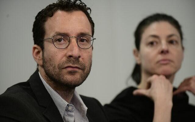 איציק שמולי (משמאל) ומרב מיכאלי בתל אביב, 12 במרץ 2020 (צילום: תומר נויברג, פלאש 90)