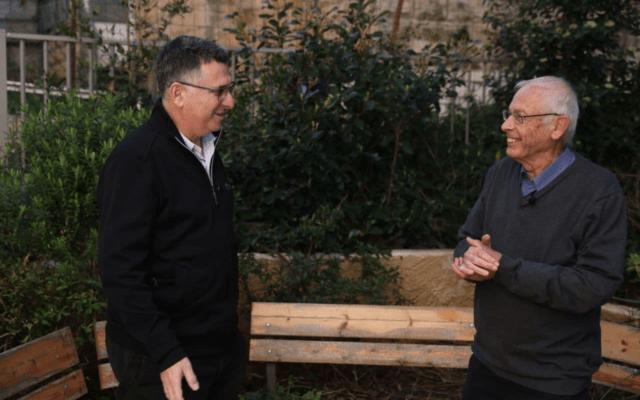 גדעון סער, מייסד תקווה חדשה, ובני בגין, מציינים את הצטרפותו של בגין לתקווה חדשה, 21 בינואר 20201 (צילום: קמפיין תקווה חדשה)