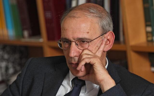 פרקליט המדינה משה לדור במשרדו, ספטמבר 2009 (צילום: נתי שוחט/פלאש90)