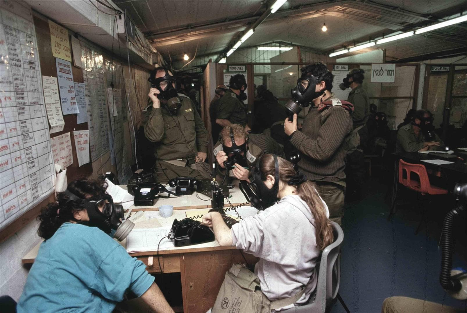 """החמ""""ל באזור יפו במלחמת המפרץ (צילום: אסף טופז, מיכאל צרפתי, נועם וינד / ארכיון צה""""ל במשרד הביטחון)"""