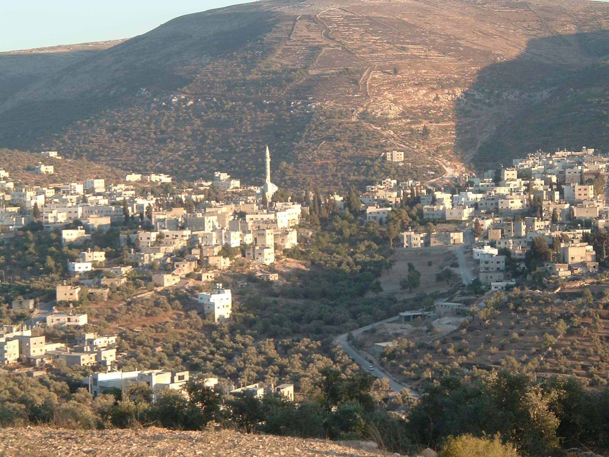 הכפר הפלסטיני עסירה א-שמאלייה ב-2012 (צילום: ויקיפדיה)