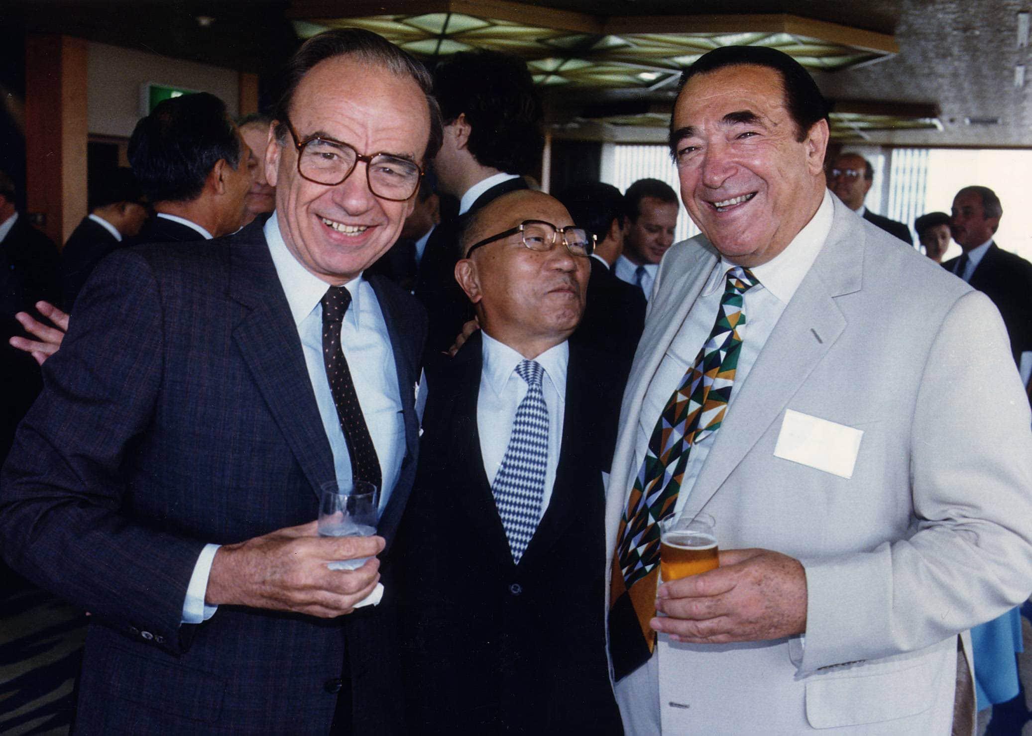 רוברט מקסוול (מימין) עם רופרט מרדוק (משמאל). התאריך לא ידוע (צילום: Trinity Mirror / Mirrorpix / Alam)