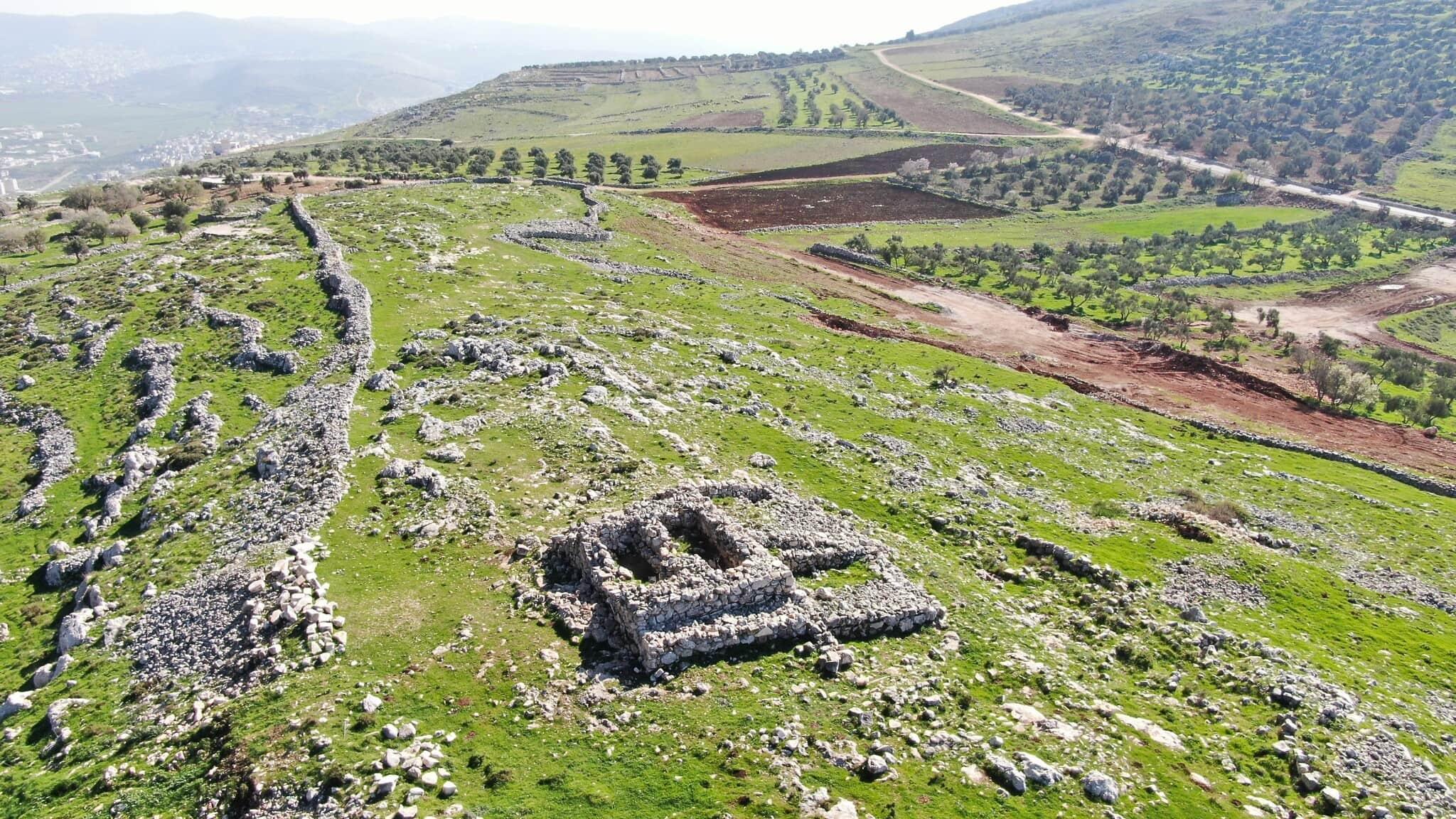 """מזבח יהושע"""" באתר הארכיאולוגי בהר עיבל, 15 בפברואר 2021 (צילום: באדיבות """"שומרים על הנצח"""")"""