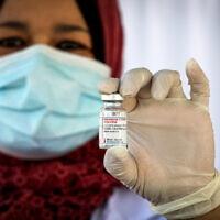 חיסונים בבית לחם, 2021 (צילום: Wisam Hashlamoun/Flash90)