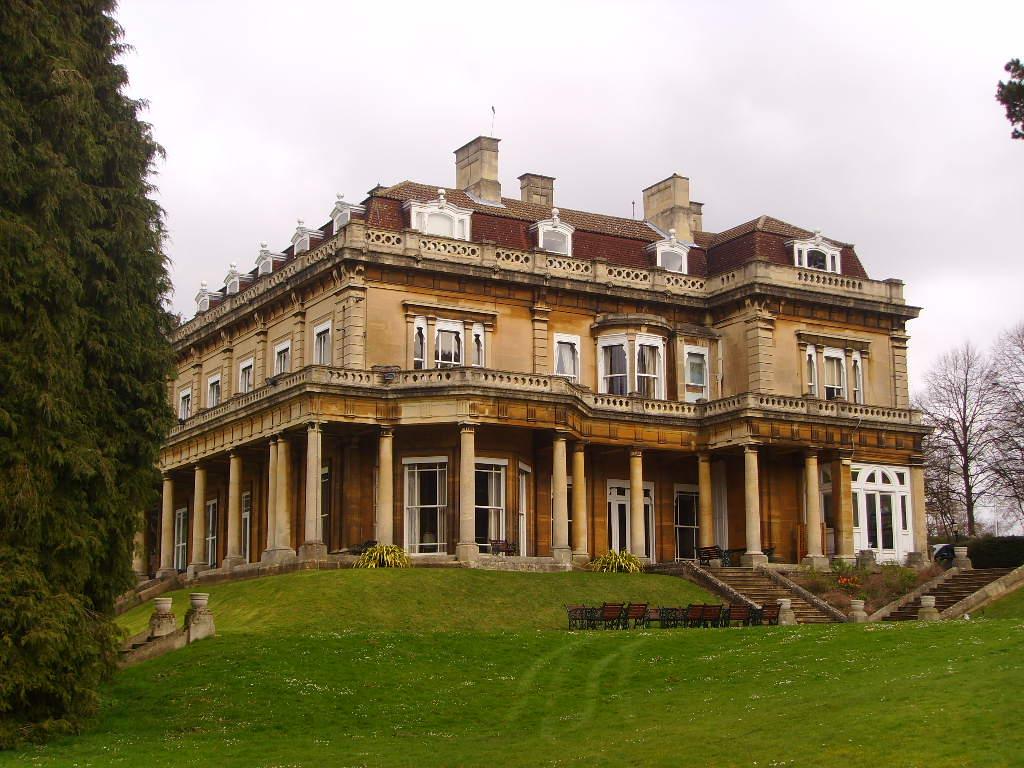 הבית של רוברט מקסוול בהדינגטון היל הול (צילום: Wikipedia/Donegal Scott)