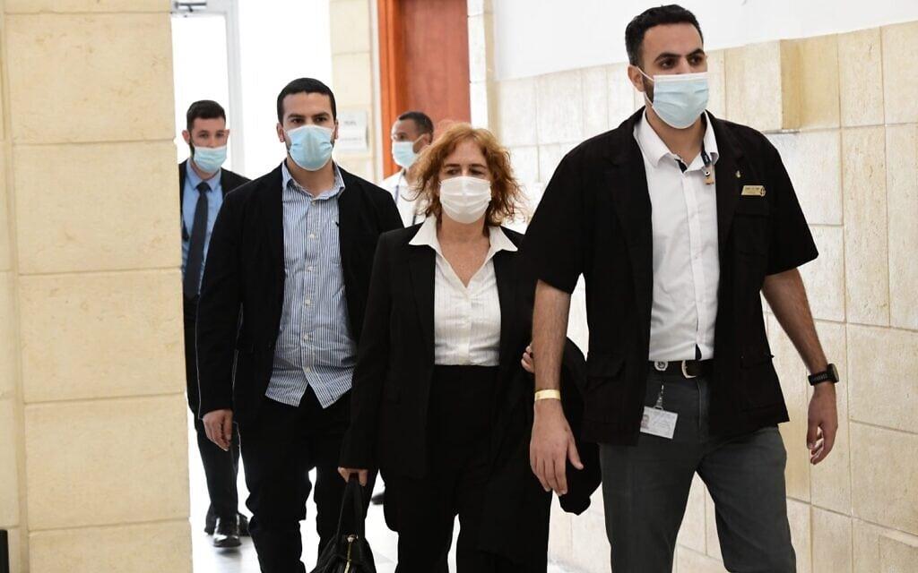 ליאת בן-ארי, התובעת במשפט נתניהו, בבית המשפט המחוזי בירושלים, 8 בפברואר 2021 (צילום: ראובן קסטרו/פול)