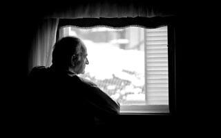 קשיש בודד. אילוסטרציה (צילום: iStock)
