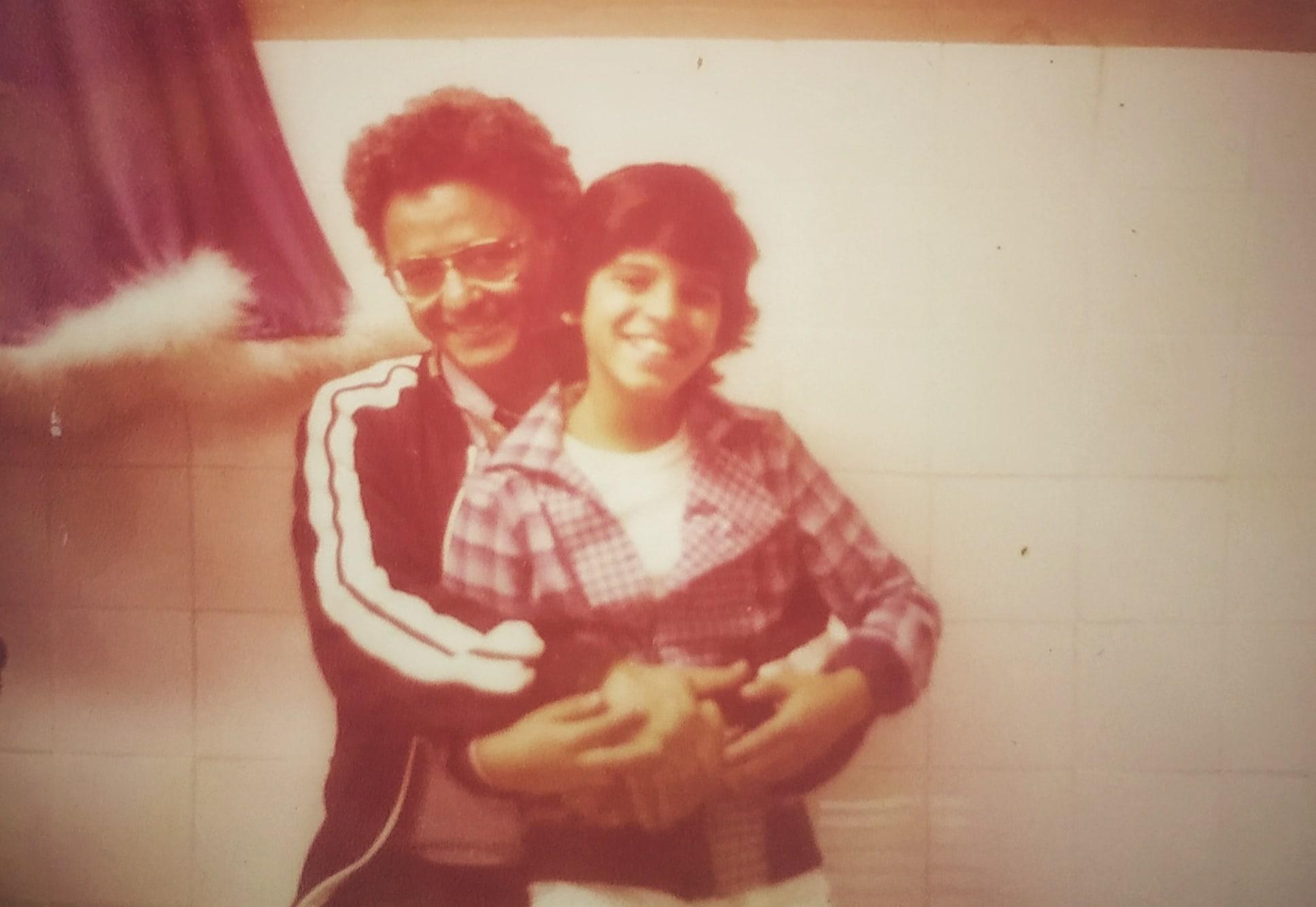 בצלאל אלוני ושרון הלל, 1982 (צילום: אבי אזוריס)
