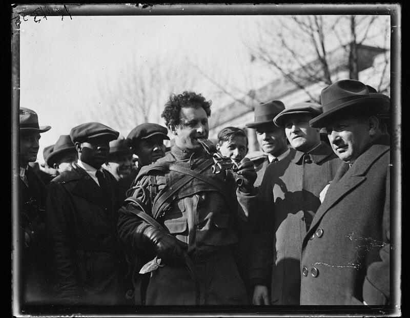זיגמונד ברייטבארט, שגרר משאות כבדים בשיניו, נחשב לאחד האנשים החזקים בעולם (צילום: U.S. Library of Congress/Wikimedia Commons)