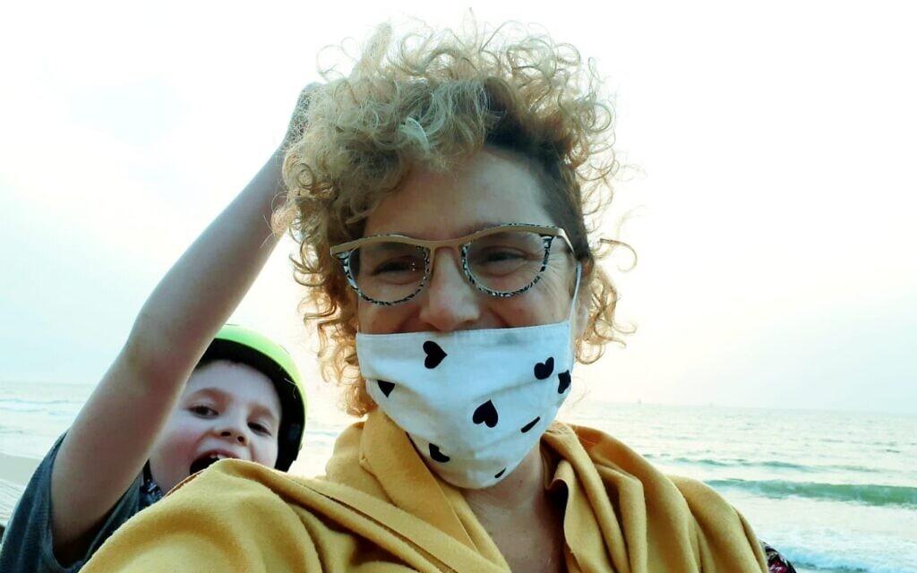 רויטל אלרון-כץ ובנה אורי